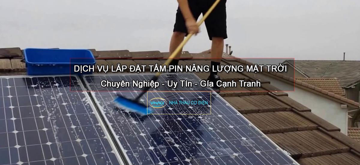 lắp tấm pin năng lượng mặt trời